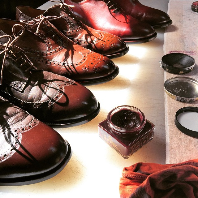 Staré vyleštěné boty od Radka Zachariáše. Zdroj: Instagram @radekzacharias
