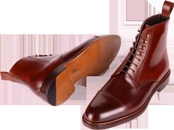 Kotníkové boty z kordovánu v barvě třešní.