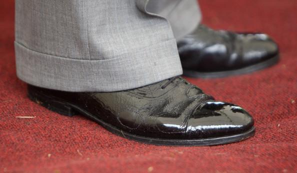 Deístky let staré záplatované boty.